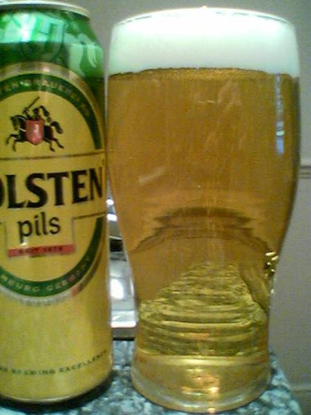 Holsten Pils poured into a glass